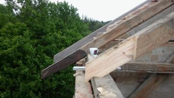 naprawa starej więźby dachowej