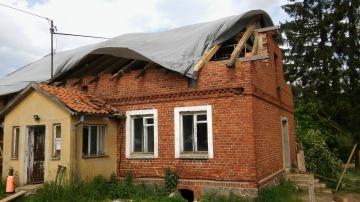 brak dachu